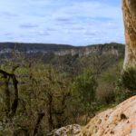 Paysage de falaises, vallée et causses du Quercy