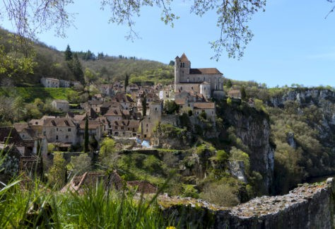 Saint-Cirq Lapopie authentique village perché du Quercy