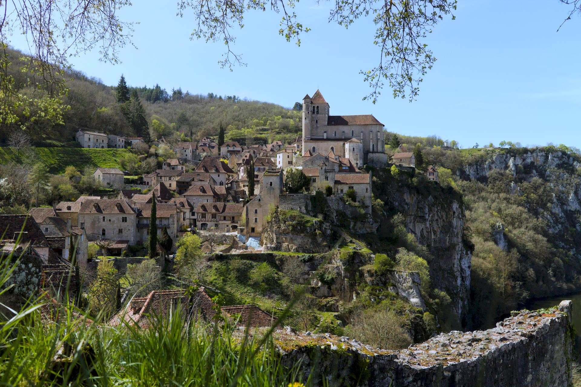 Saint-Cirq Lapopie authentique village perché du Quercy