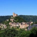 Château et village vue depuis le chemin de ronde